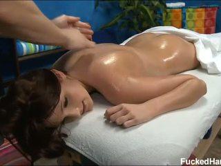 Encantador miúda loves massagem