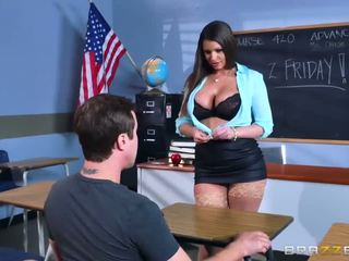 Brazzers - секси милф brooklyn chase teaches тя студент