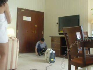 Arab カップル teasing staff-asw1054