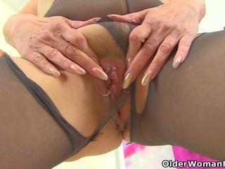 English gilf pandora fucks उसकी pantyhosed पुसी साथ एक