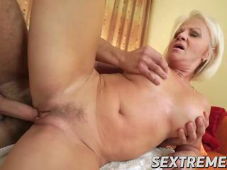Seksi blondinke babi getting analno in muca railing težko