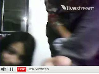 Duas Meninas Exibindo Sutia Livestream Webcam Live