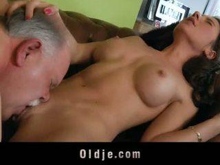 Viejo butler servir sexo a su spoiled dama jefa