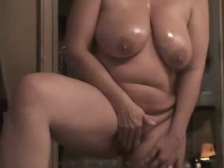 熟女 とともに 重い hangers masturbates