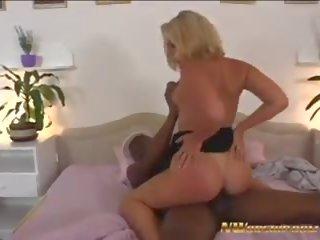 mooi pijpen porno, meest grote tieten actie, heet milfs scène