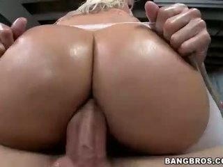 Phat assed Kimmy Olsen sex after workout