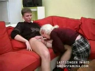 جدة مع saggy الثدي gets مارس الجنس part1