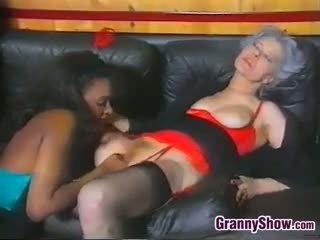 mooi oma film, meer zwart en ebony thumbnail, vol lesbisch