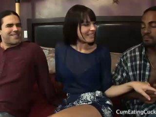 Dana 과 그녀의 cuck 남편 주 a 검정 수탉