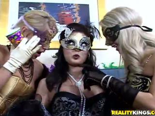 Masquerade babe Melissa fucking lesbian Sammi