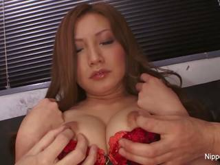 Dirty little Asian babe gets a nice facial