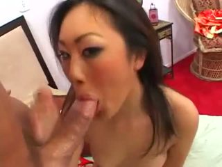 Evelyn lin takes a ramrod in that guyr dar amjagaz and then gets sprayed with gutarmak