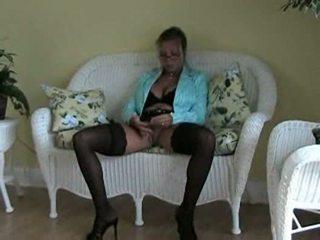 Amber lynn bach قرع في منزل