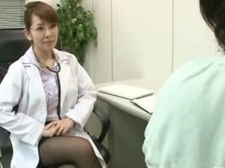 Lesbo gynecologist 2 osa 1