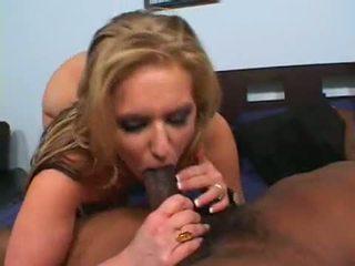 Daryn darby fills viņai mitra gash un fucked ar a resnas darksome cubby