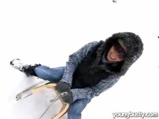 Owadanja oustanding emjekler içinde the snow