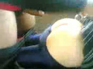 Arab tonårs körd i bil efter skola video-
