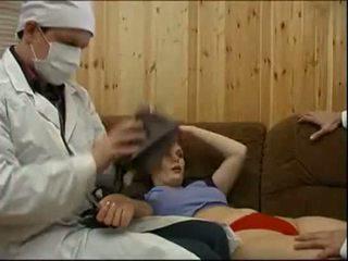 Doctors forcing a 환자