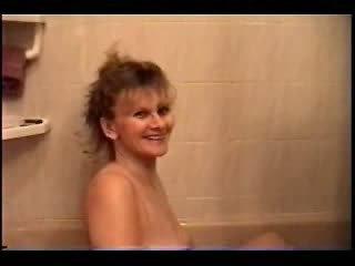 Mooi heet milf baden