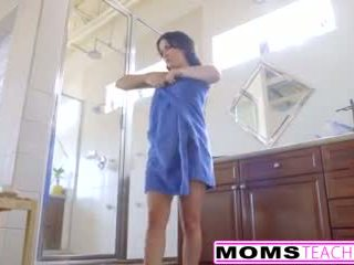 Mom aku wis dhemen jancok jennifer putih gets creampie from step daughters man