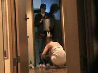 Japans vrouw answers deur naakt 2