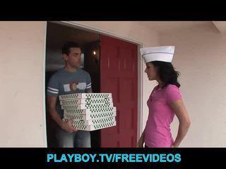 Các bánh pizza guy fucks nóng cậu bé tóc nâu thiếu niên