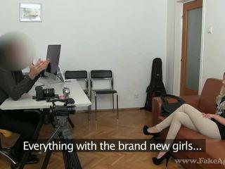 реальність, блондинки, підробка