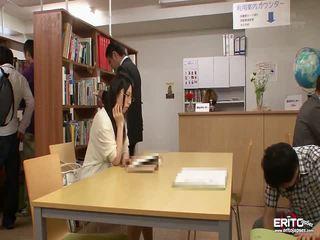 Japoneze students chika dhe minori fucked në the bibliotekë