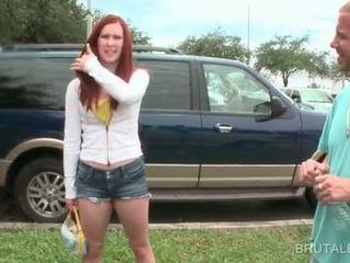 Terangsang dude picks naik amatir gadis nakal untuk smash