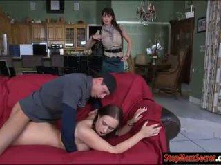 Two seksi kadın eva karera ve holly hudson sıcak threeway