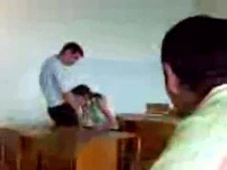 Azeri students avalik suhuvõtmine
