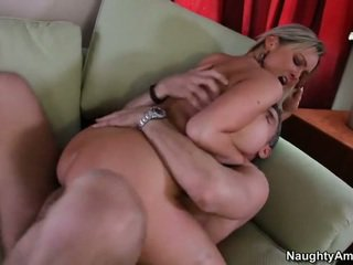 Bigtitted nabo, abbey brooks
