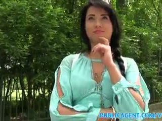 Publicagent סקסי שחור haired רוסי מזוין ב the woods