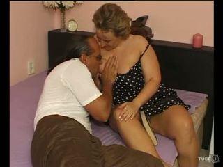 A 섹시한 토실 토실 살찐 여자 loves 섹스
