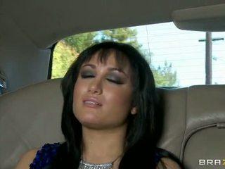 Gabriella 엿 에 그만큼 limo 비디오