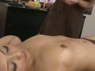 Ένα ιαπωνικό masseuse και αυτήν πελάτης