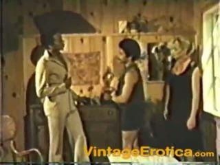 Un vintage película de an interracial polla loving coño