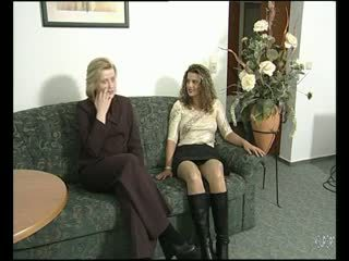 Lesbian interview on the couch - Julia Reaves