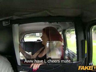 Keriting si rambut merah creampie jizzed dalam yang taxi
