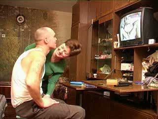 Mama catches syn pozeranie porno ruské