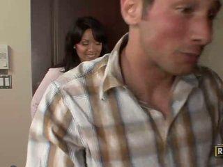 Wonderful superb amateur brünette dame mit groß titten doing blowjob