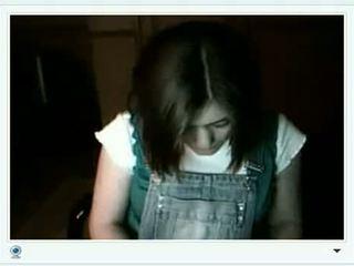 Valsts meitene shows viņai liels krūtis par videochat