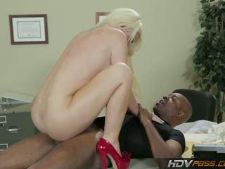 Hdvpass velika titty medicinska sestra alexis ford rides kurac