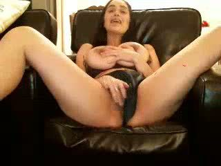Gorgeous brunette with rubs pussy and cum on cam - mortcams