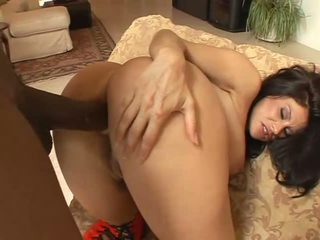 Latina slut Sheila Marie prefers hard anal sex