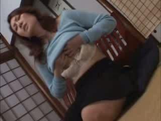 Oriental escorta does nu nevoie orice boys pentru ajutor ei afară