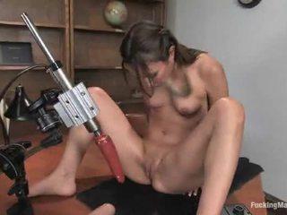 fucking maskiner, fuck machine, hot brunette