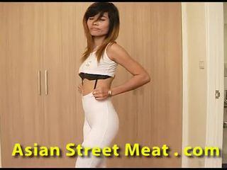Clean التايلاندية slapper sweats إلى نطفة