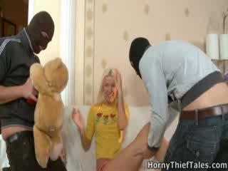 Masked boys 씨발 섹시한 irene 에 그녀의 방.