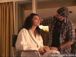 امرأة سمراء beauty tera patrick getting استعداد خلف الكواليس